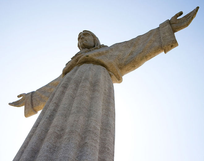 Statue of Christ with outstretched arms